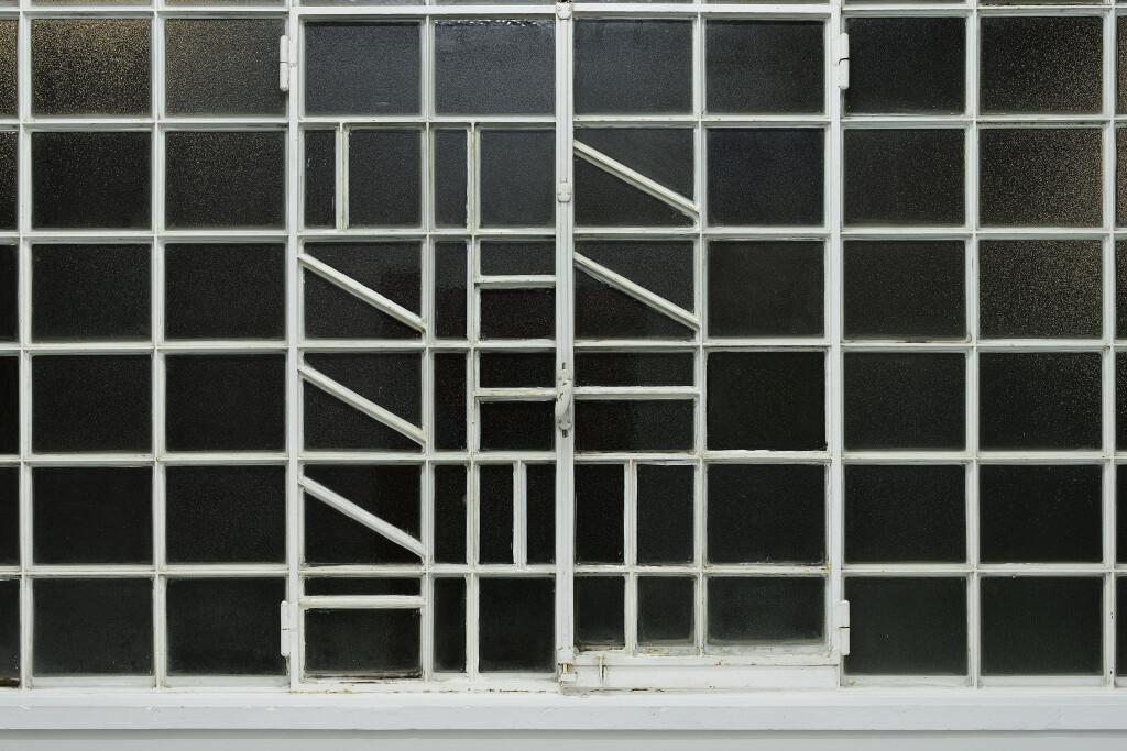 Galleria Mario Iannelli_Monochromes_Mullan_2 (1)