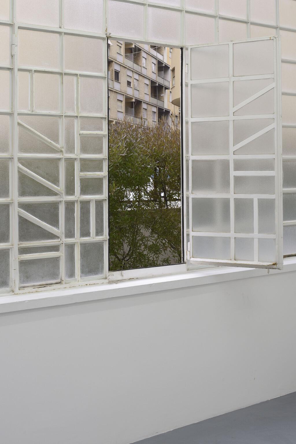 Galleria Mario Iannelli_Monochromes_Mullan_8